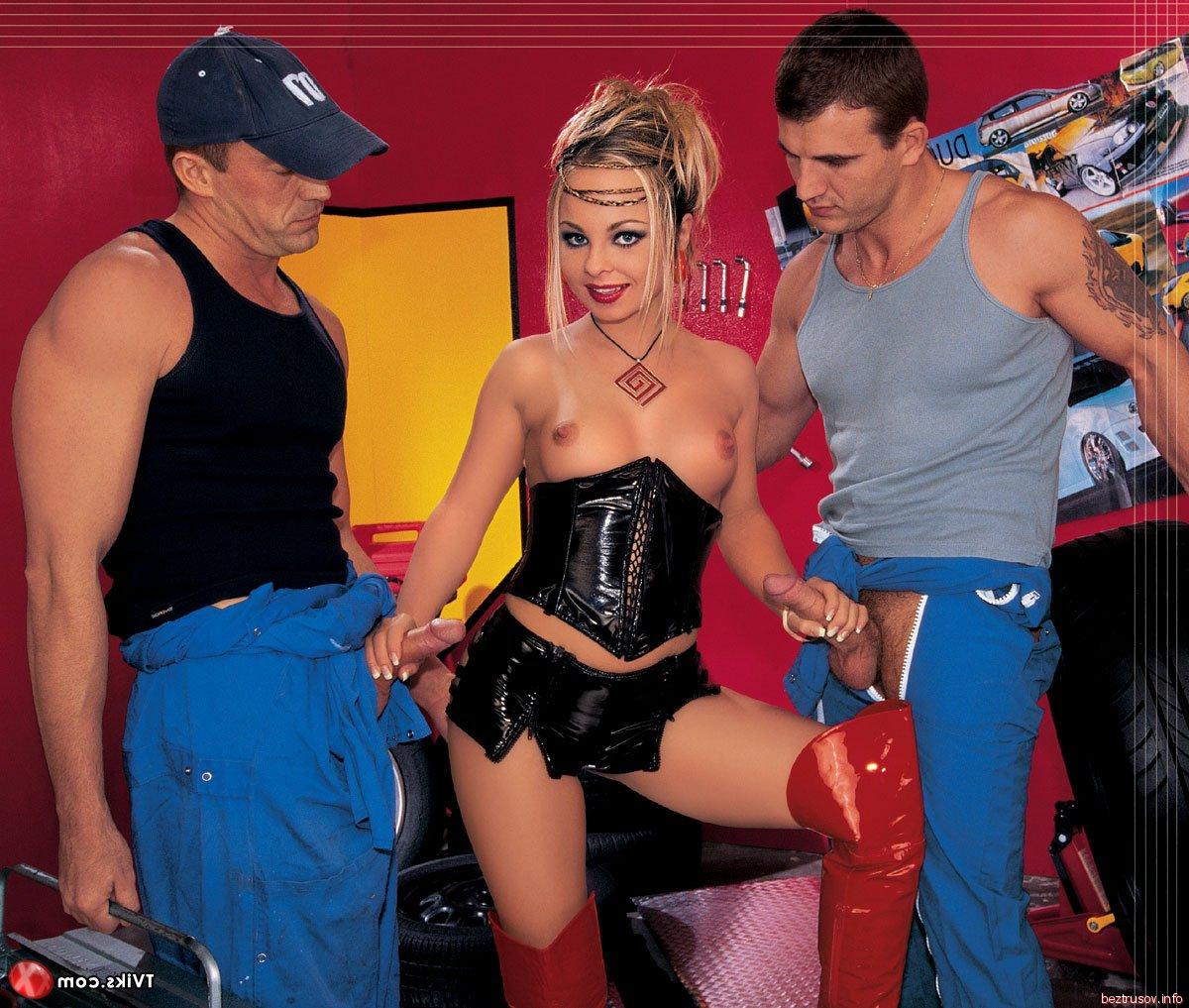 Секс сексуальных секретарш трахают мужики фото смотрит