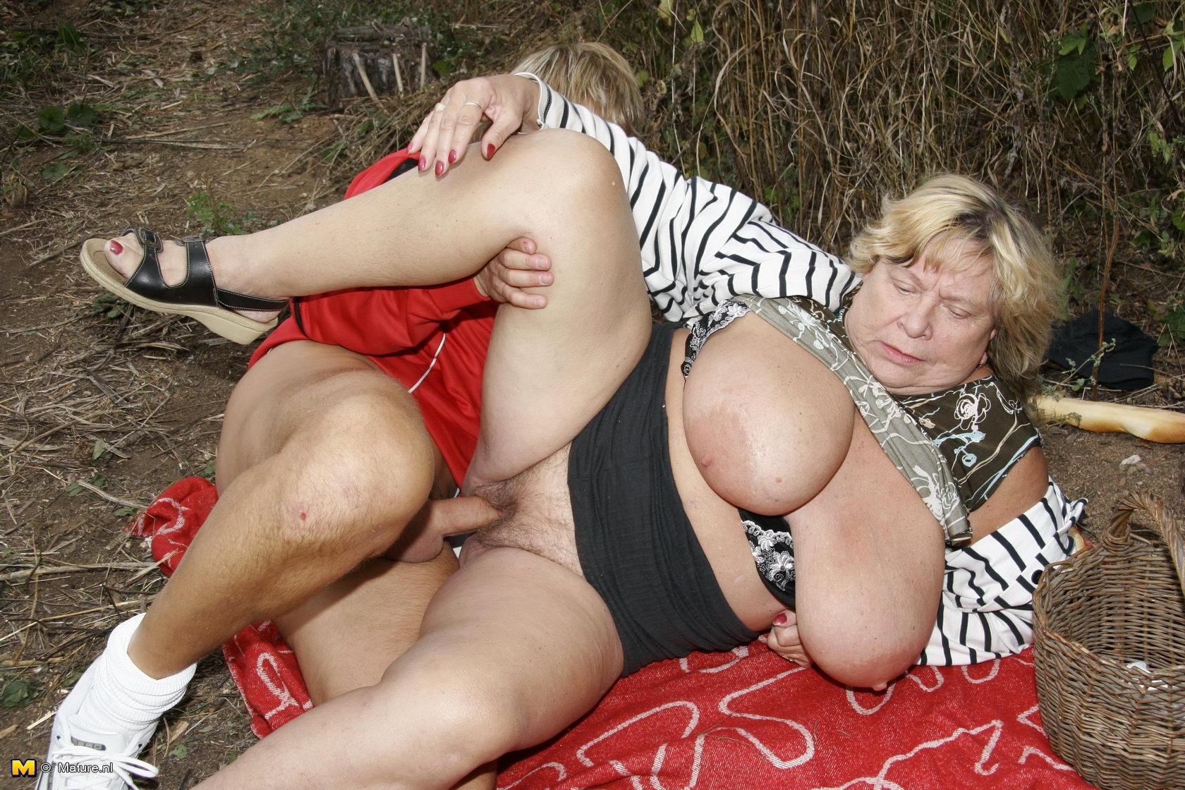 Порно со старой теткой, порно модель молли беннетт