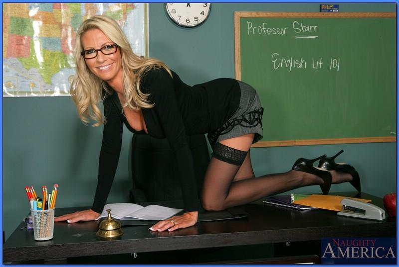 трусики учительницы порно фото