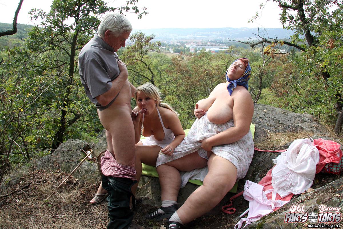 зрелых писек русское порно в русской глубинке чувствует