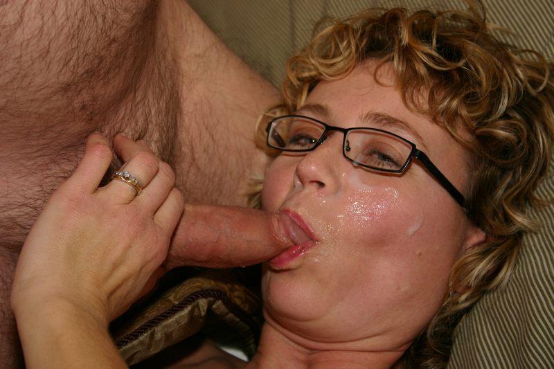 Секс с теткой в очках
