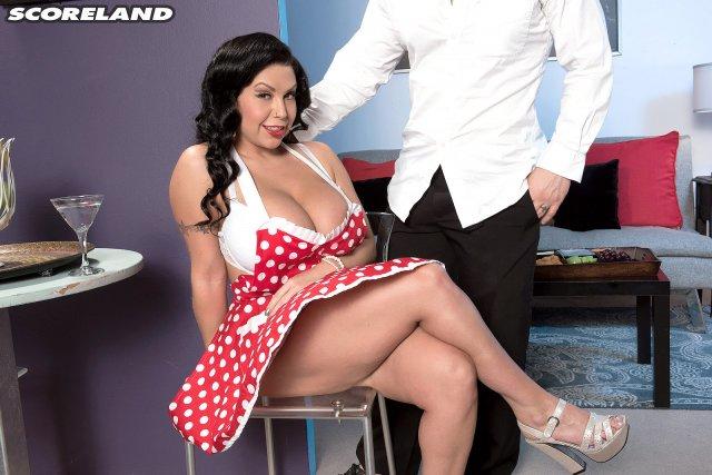 Секс с толстой официанткой