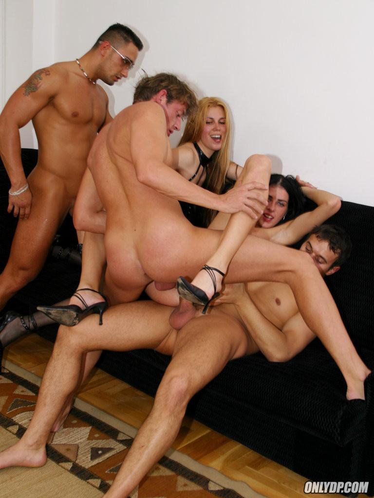 Русское семейное групповое порно ролики 61494 фотография