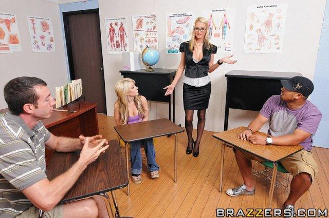 Секретарши и училки порно