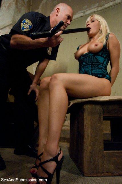 Порно с горячими милиционершами фото 633-737